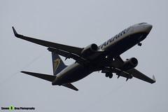 EI-EVA - 40288 - Ryanair - Boeing 737-8AS - Luton M1 J10, Bedfordshire - 2018 - Steven Gray - IMG_6953