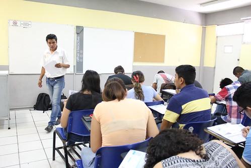 Aspirantes a ingresar a la FADU presentan examen CENEVAL