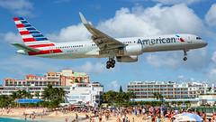 American Airlines Boeing B757-2 N936UW