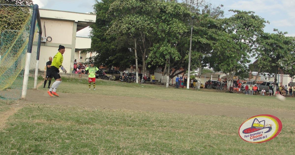 Campeonato relámpago de Indorfútbol femenino y masculino preparan comunidades barriales