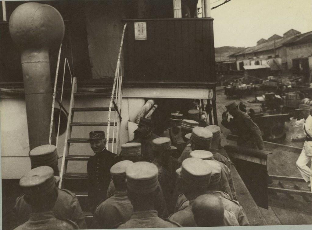 Визит генерала Лаверна перед погрузкой на корабль