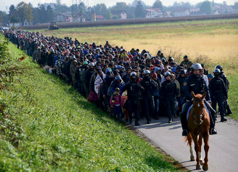 18f27 Monde Foto Srdjan Zivulovic Reuters del 20 octubre 2015 en Dodova Eslovenia 1 Uti 485