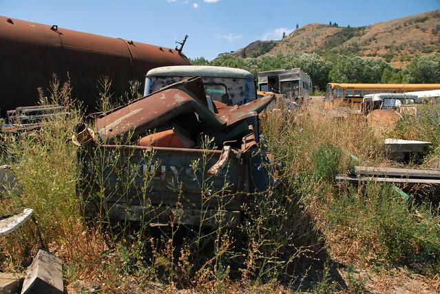 car junk yard (32)