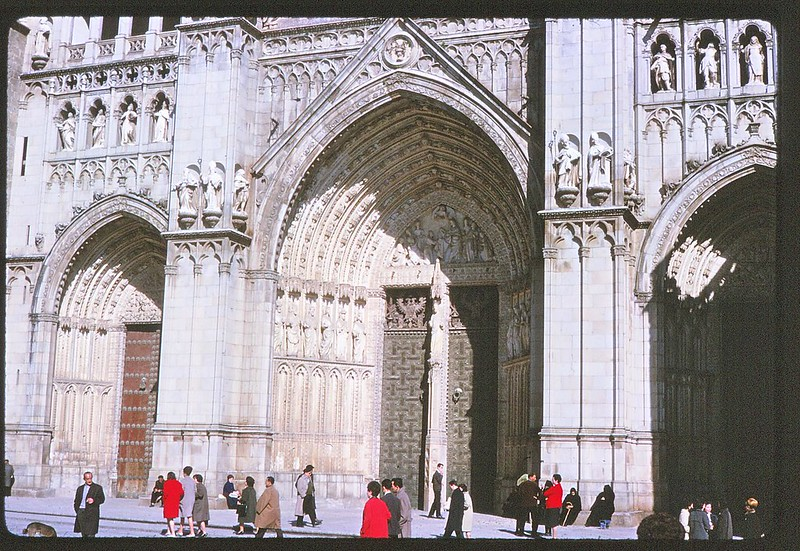 Catedral de Toledo en abril de 1963. Película Kodachrome. Donación de la familia Burgos.