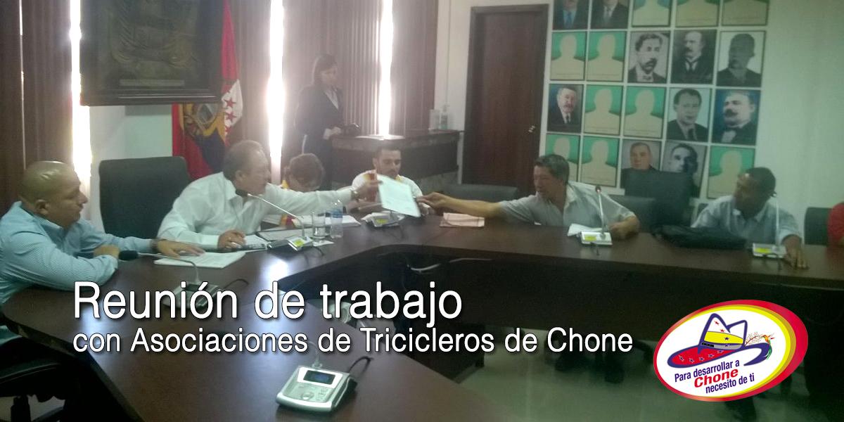 Reunión de trabajo con Asociaciones de Tricicleros de Chone
