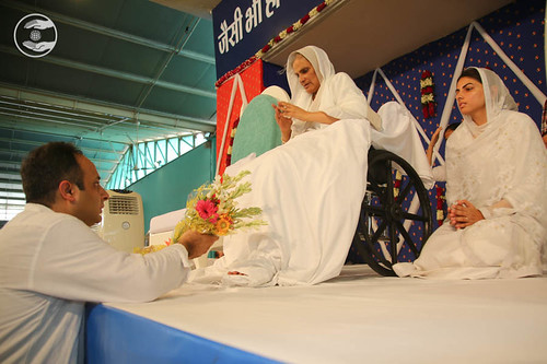 Welcome by Sandeep Gulati Ji PS to Satguru Mata Savinder Hardev Ji Maharaj