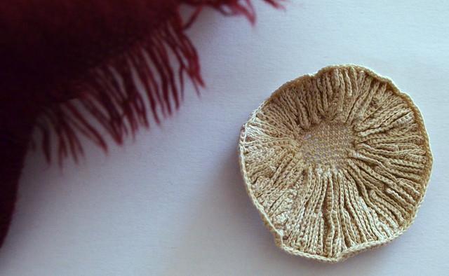 Crochet brooch - Mushroom