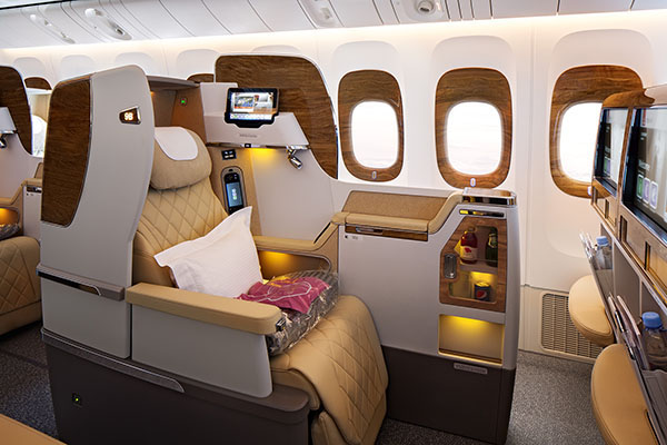 Emirates B777-200LR news Business Class (Emirates)