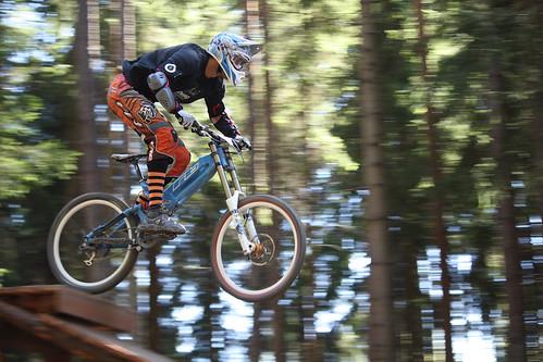 Jezděte celý den se 30 % slevou v bikeparku ŠPINDLERŮM MLÝN - SVATÝ PETR - pouze s kartou GOPASS