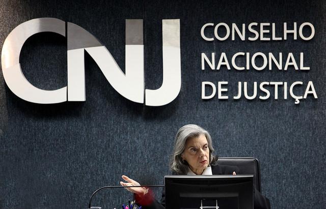 CNJ abre investigação contra Moro, Gebran e Favreto por