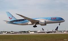 Boeing 737-800 (PH-TFL) TUI