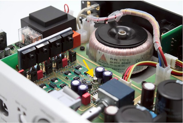 Kinki Studio THR-1 Headphone Amplifier 42833381172_a257631e85_z_d