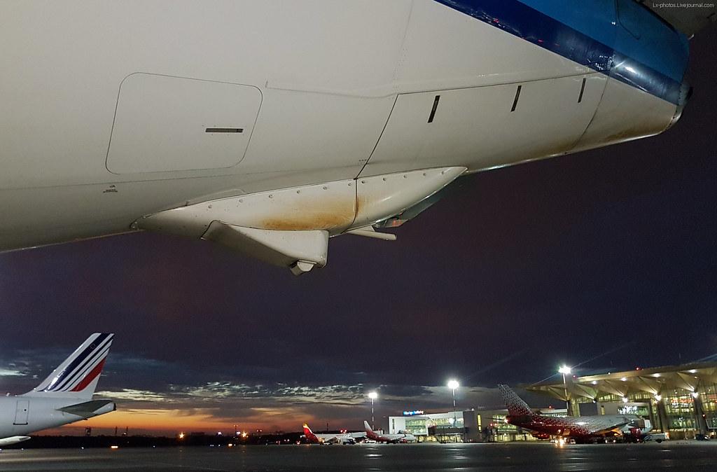 Как борются со стиранием хвостов самолетов