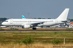 YL-LCN - Airbus A320-211 - SmartLynx
