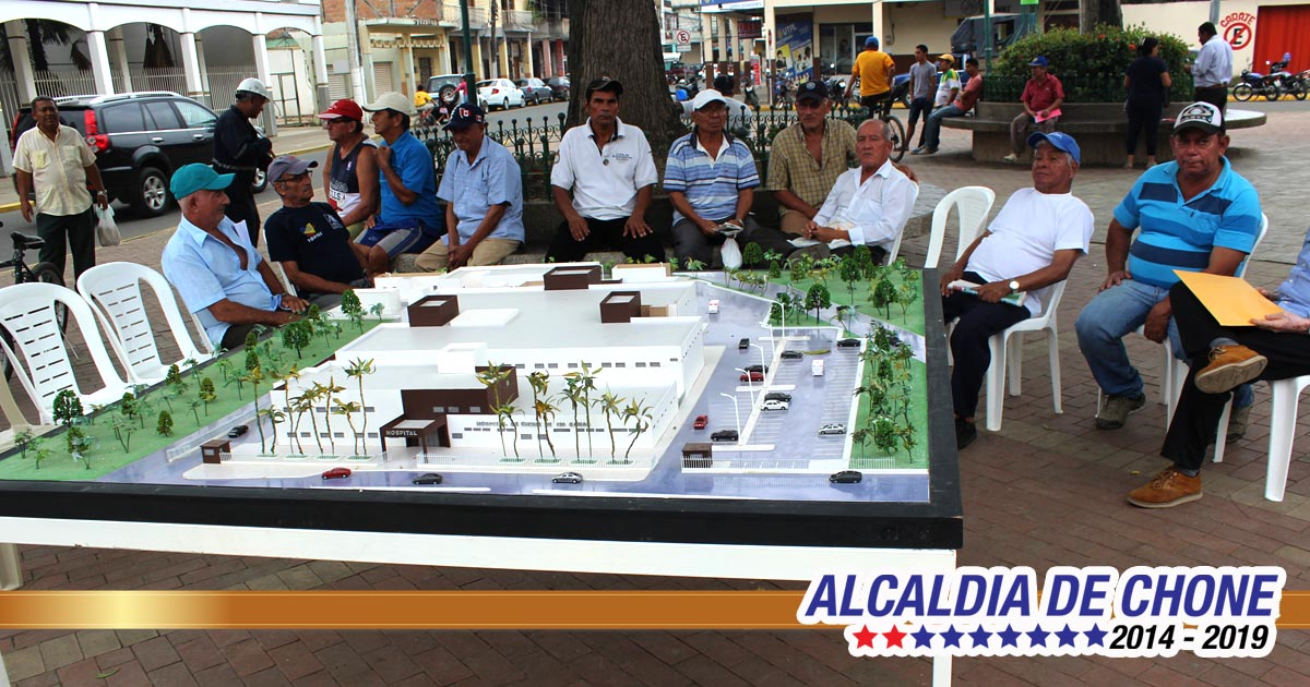 Maqueta de hospital es exhibida en Plaza Sucre