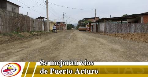 Se mejoran vías de Puerto Arturo