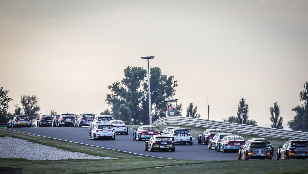 Track atmosphere Start race 2 during the 2018 FIA WTCR World Touring Car cup race of Slovakia at Slovakia Ring, from july 13 to 15 - Photo Jean Michel Le Meur / DPPI