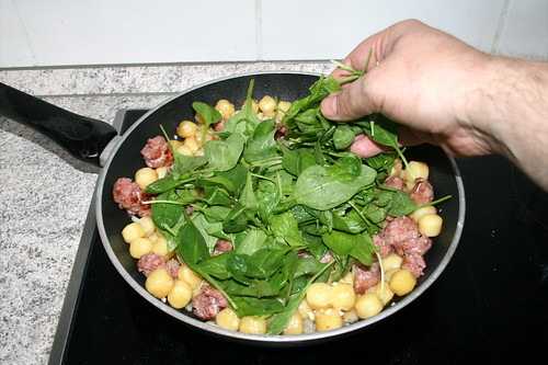 08 - Blattspinat addieren / Add leaf spinach
