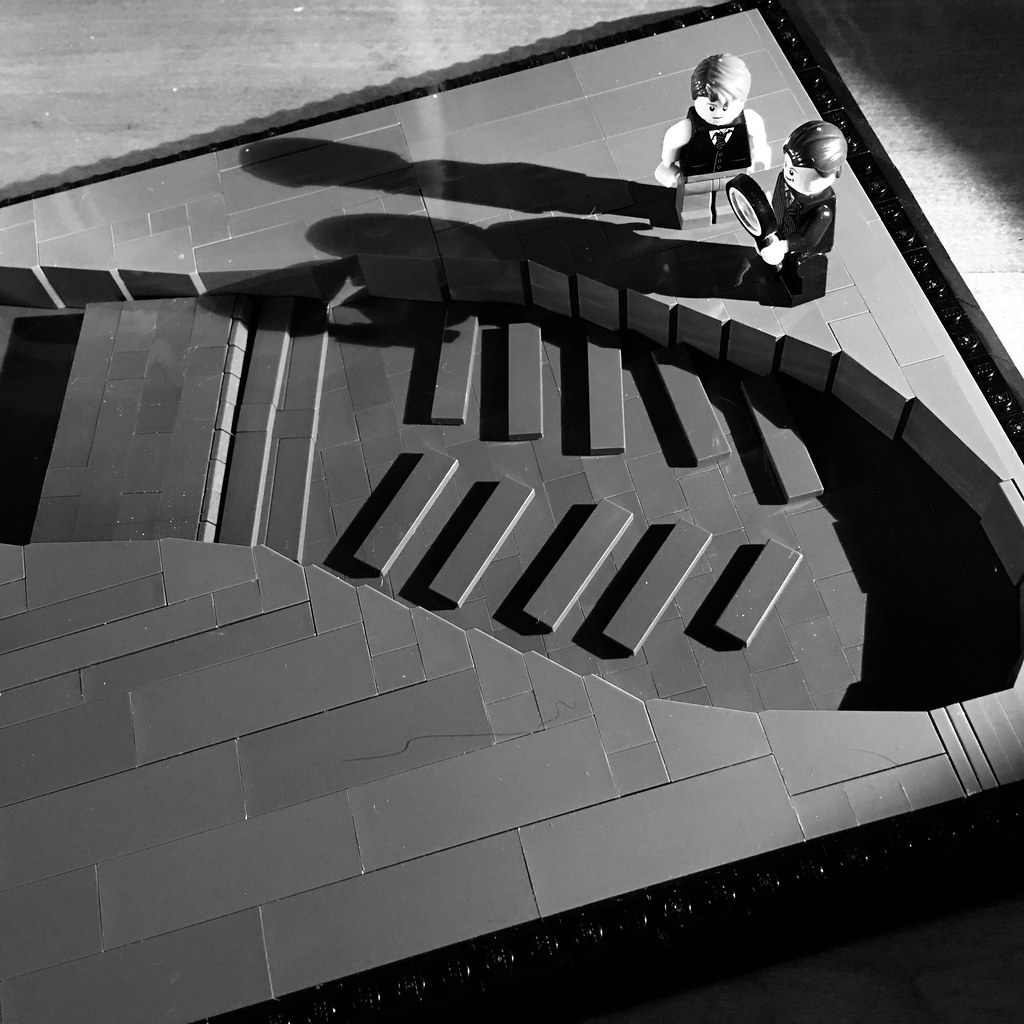 VIG: The Lego Noir Detectives find a large clue