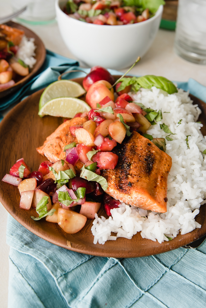 Grilled SalGrilled Sockeye Salmon with Summer Stone Fruit Salsa www.pineappleandcoconut.com #copperriversalmon #pwssalmonmon with Summer Fruit Salsa-166
