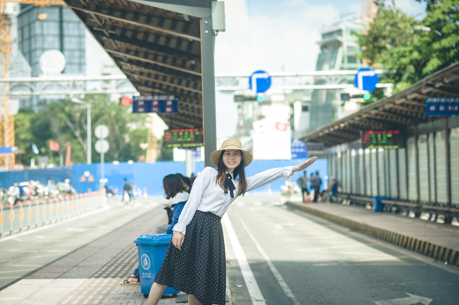 43075514352 1928ab92aa h - Trạm xe buýt quận 1, địa điểm check-in mới cho giới trẻ Sài Gòn