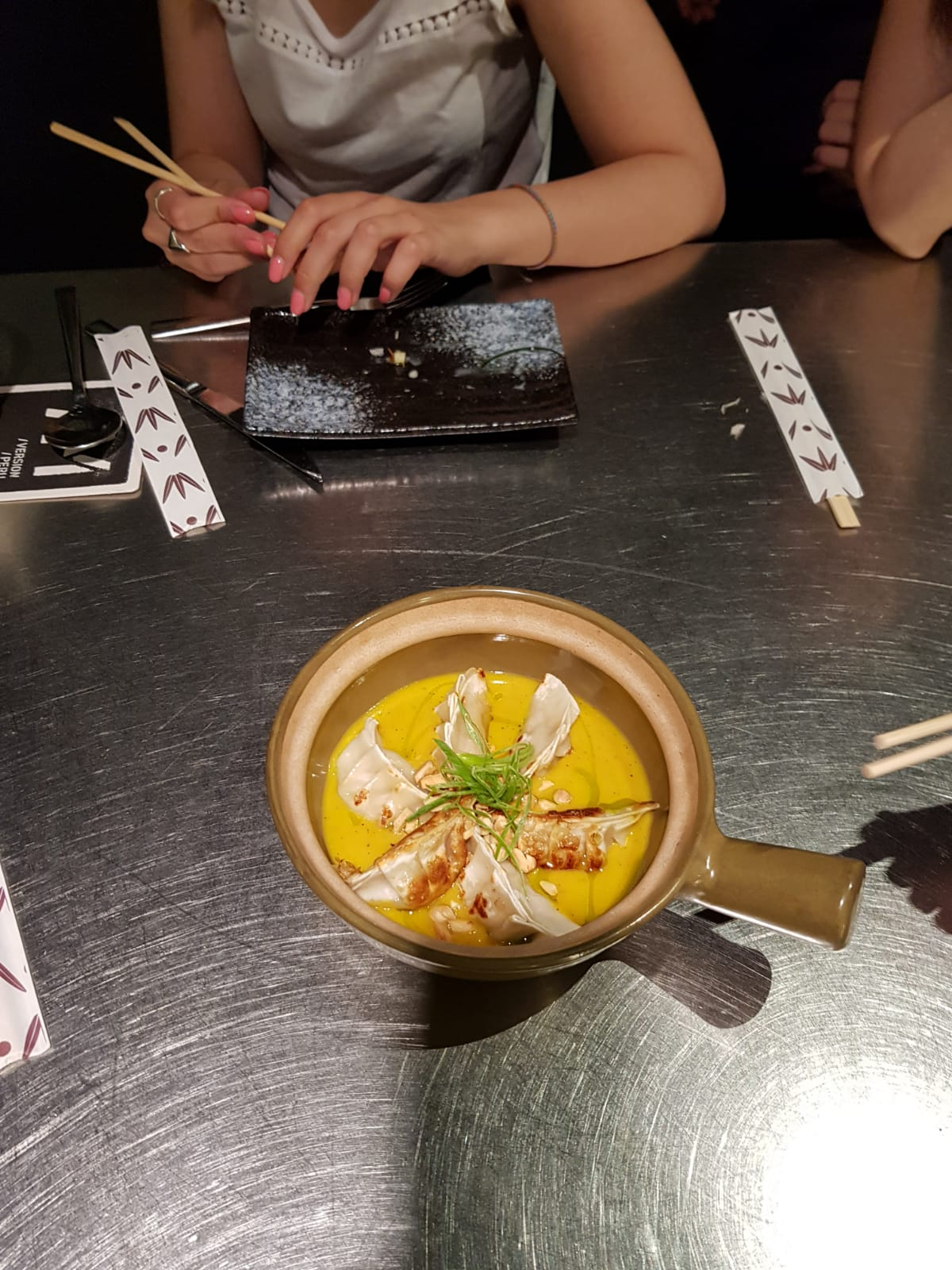 Empanaditas asiáticas de ají de gallina