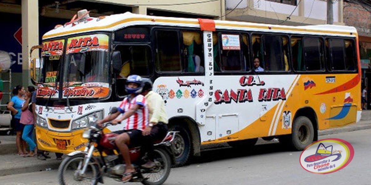 Cambio en la ruta de buses en Chone