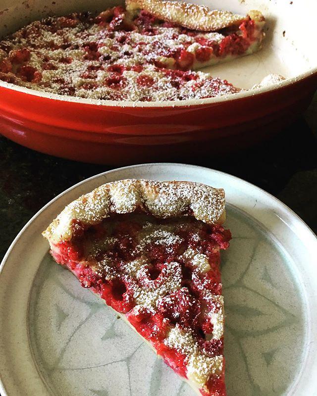 Clah-foo-tee! #clafoutis #raspberries #raspberryclafoutis