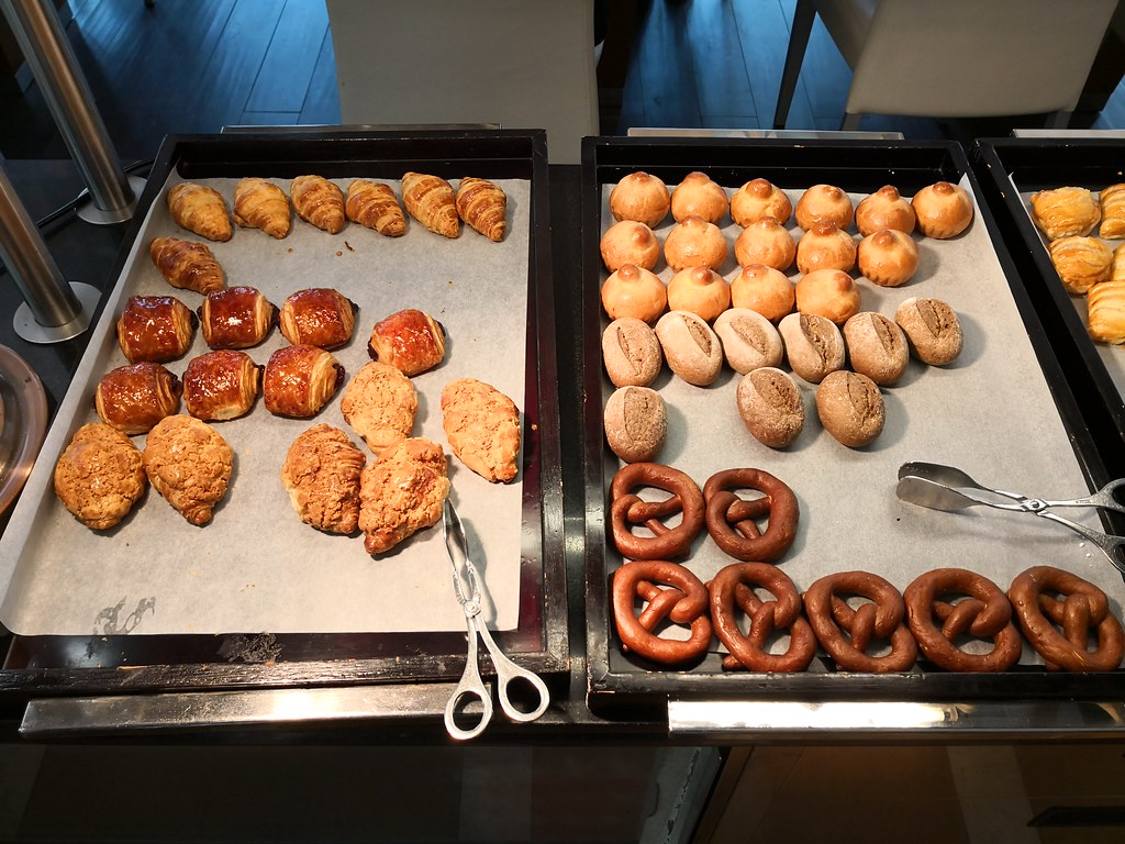 Bagels and pastries