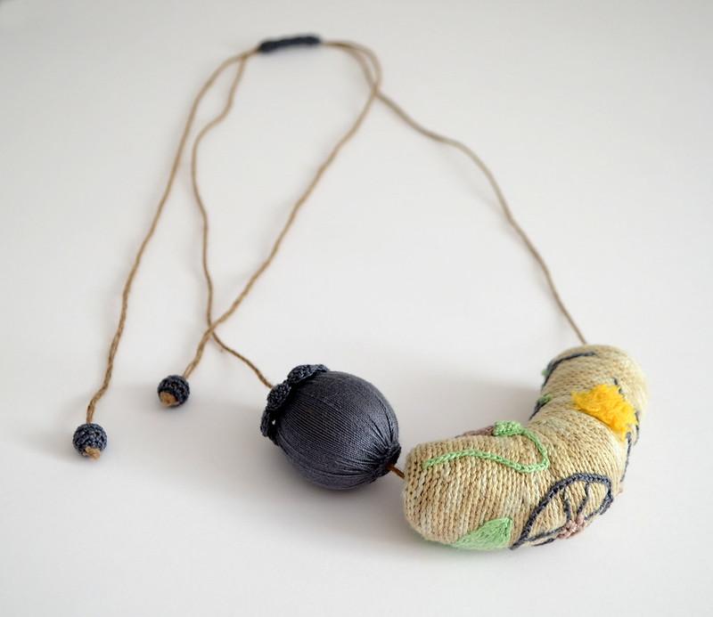 Crochet necklace - Embroidery garden