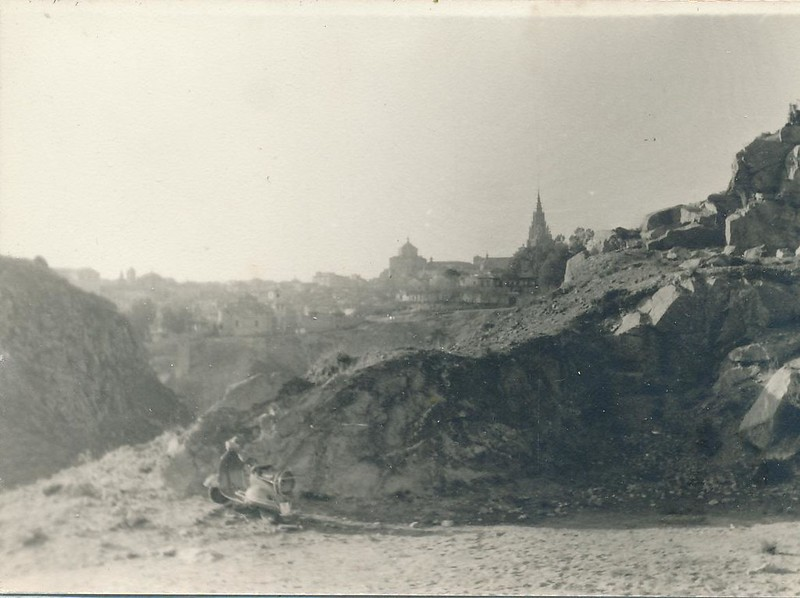 Vespa en la zona de la Degollada en 1963. Fotografía de Julián C.T.