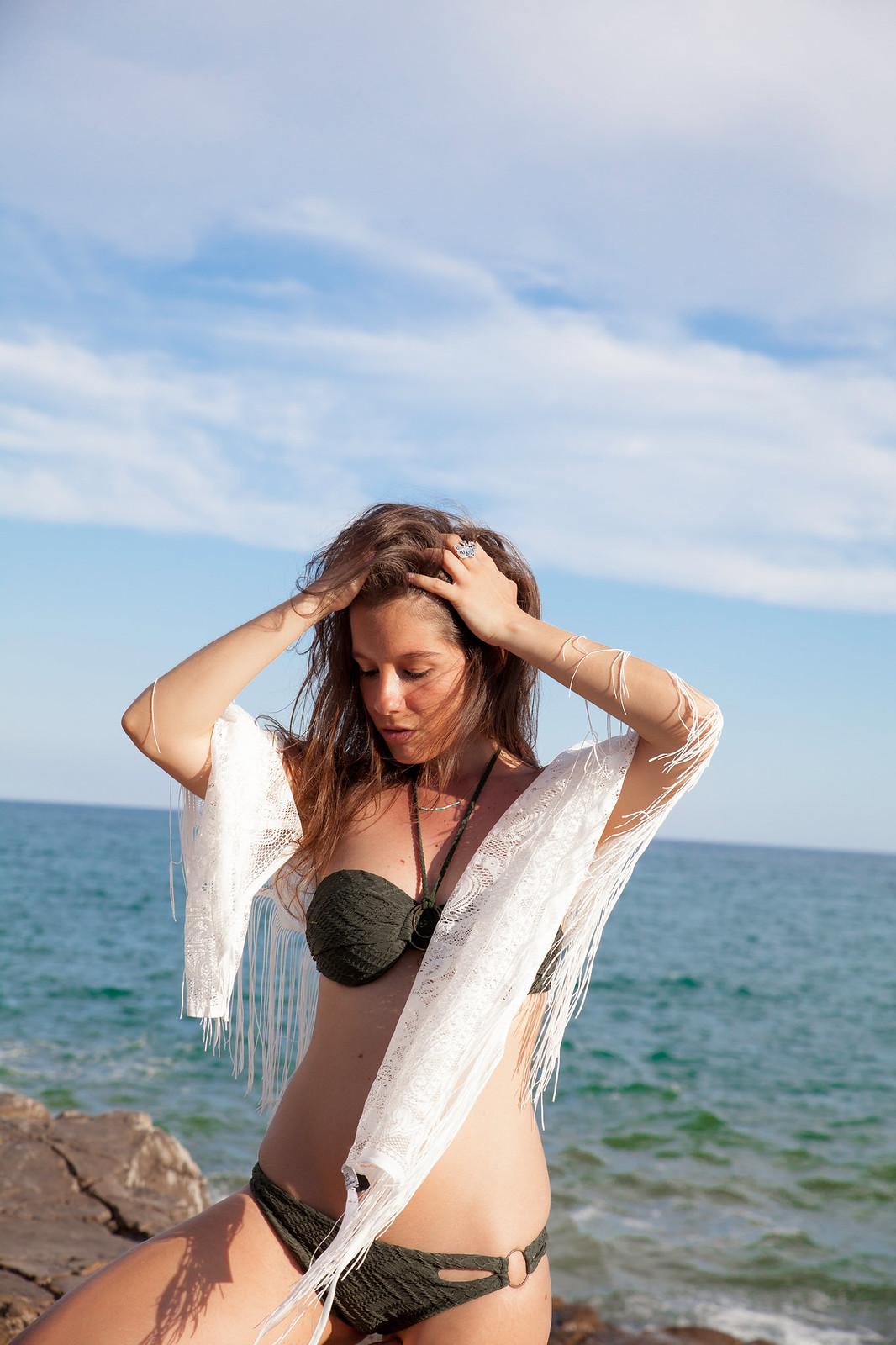03_Hunker_Moller_Bikini_Comodo_embarazada_theguestgirl_laura_santolaria_influencer_moda_embarazada