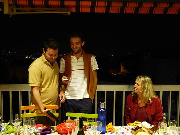 sur la terrasse le soir