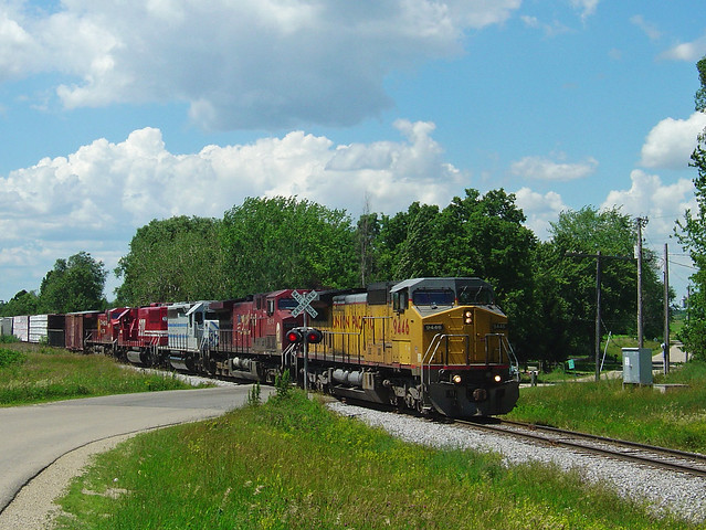 UP Leader, CP Train, Sony DSC-P10