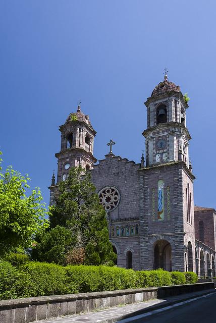 Iglesia de Santiago Apostol, Elizondo, Navarra.