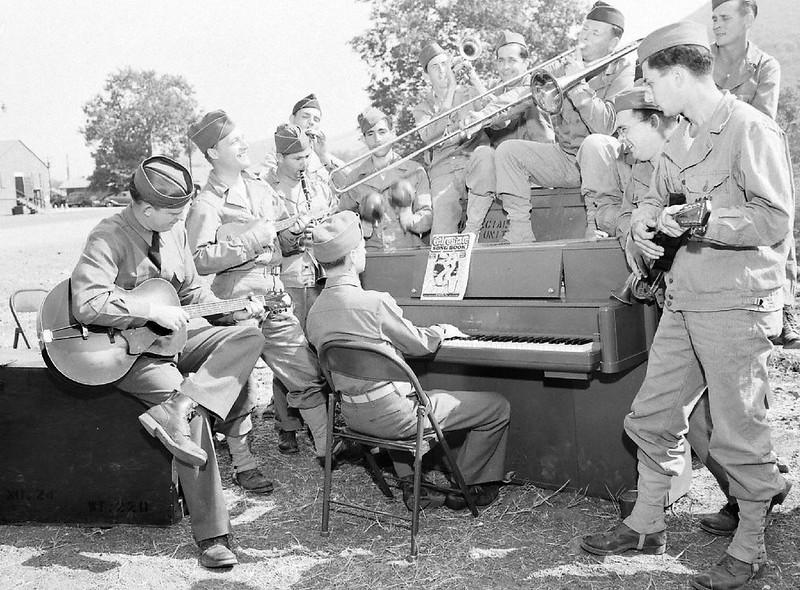 Camp San Luis Obispo - Californie - 1942 - J. R. Eyerman - LIFE