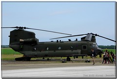 ZK552 - Royal Air Force Boeing CH-47D Chinook HC6 (1)