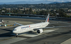 air france flight 82 taxis to gate after arrival