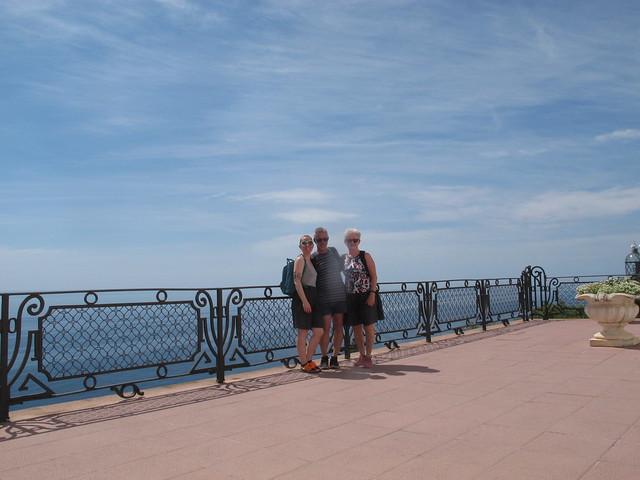 sunday, walking to tamariu