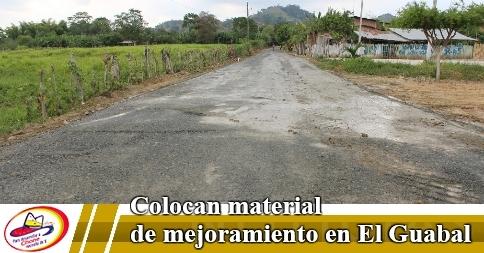 Colocan material de mejoramiento en El Guabal
