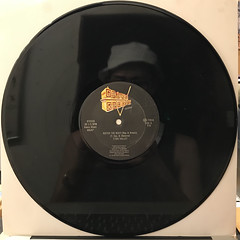 T SKI VALLEY:!CATCH THE BEAT!(RECORD SIDE-A)