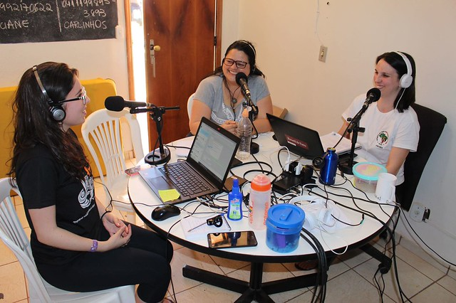 Rádio itinerante anima e leva informação à Marcha Nacional Lula Livre