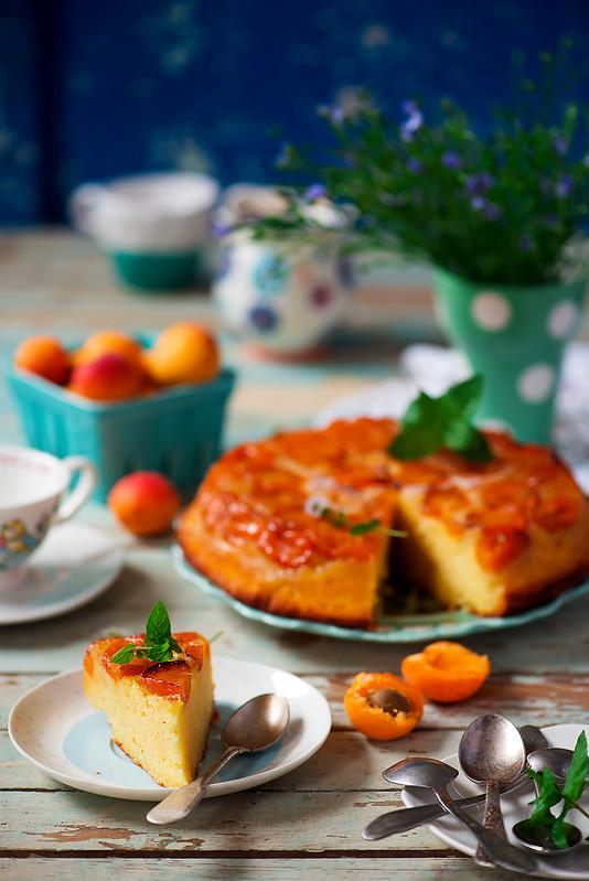 Apricot upside dawn cake.