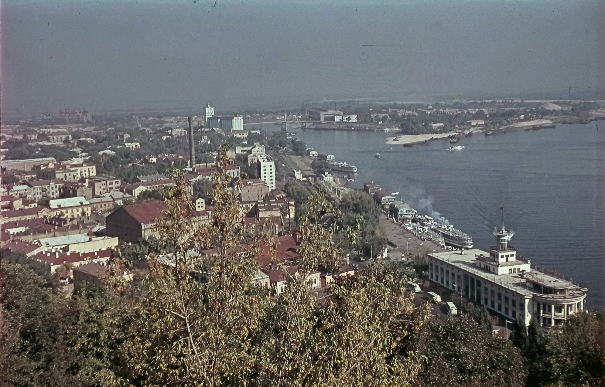 Киев. Вид на Подол с Владимирской горки