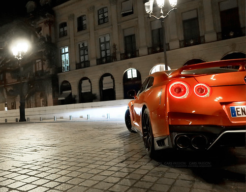 Nissan GTR orange Gentleman Edition Paris