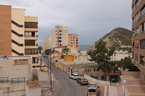 Fabulosas vistas al mar, muy soleado, todo exterior. Solicite más información a su inmobiliaria de confianza en Benidorm  www.inmobiliariabenidorm.com