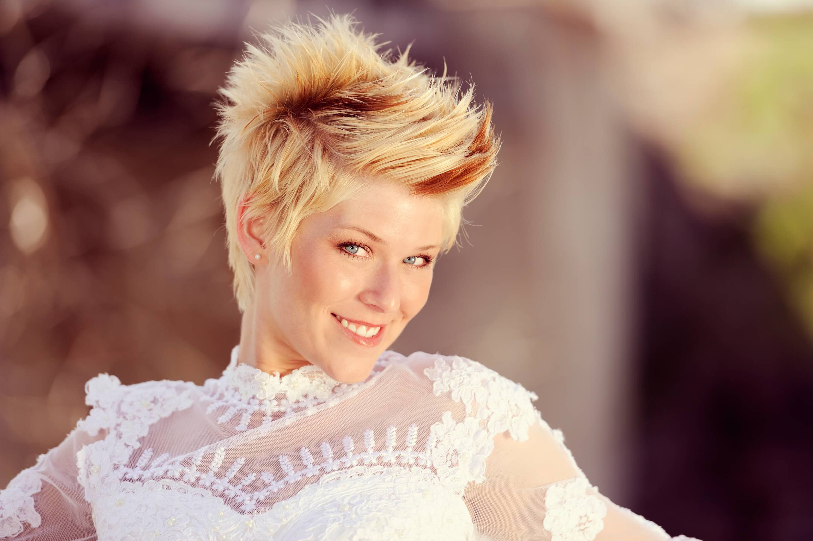 Romantic Wedding Short Haircut for Your Amazing Day! 2