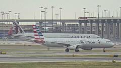 Qatar Airways Boeing 777-300ER A7-BAM American Airlines Airbus A321 N1