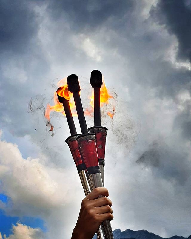 Fire jugglers #fire #sky #clouds #cloudy #blue #torch #play #fun #nice #jugglers #streetart #gressoney #valdaosta #mountain #summer #igers #igersitalia #travelgram #photooftheday #picoftheday #red