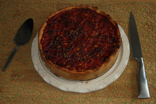 Chicago-Style Deep Dish Pizza (ganz)